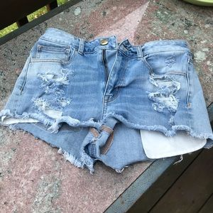 American Eagle semi destroyed mid rise shorts